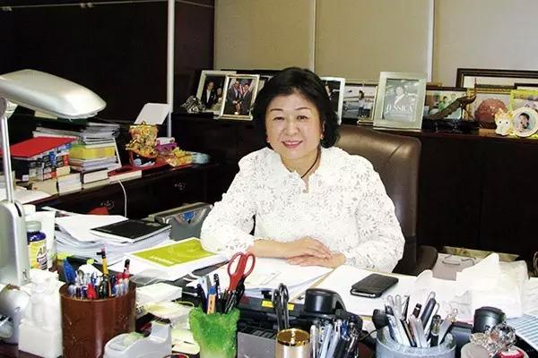 张茵:新中国第一位女首富