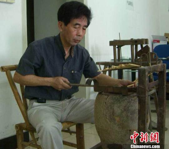 七旬天竺筷传人几十载匠心不移冀资源重组焕新生