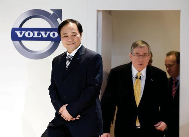 吉利汽车(00175)一年涨近5倍 李书福身家增厚372亿元
