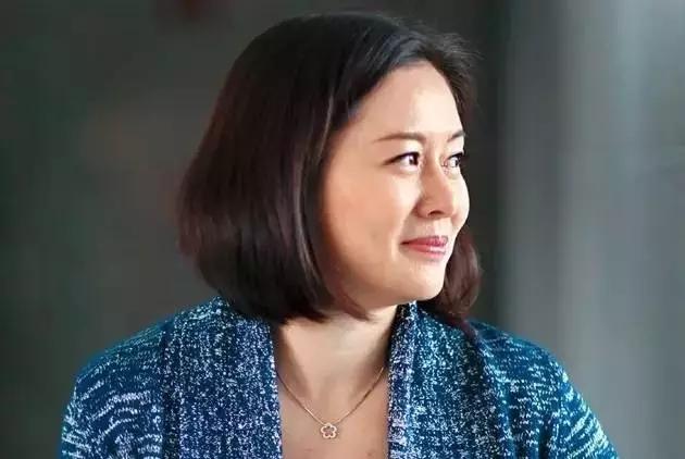 她最早投资马云,四姐弟全上美国名校,都因老爸管娃如管公司