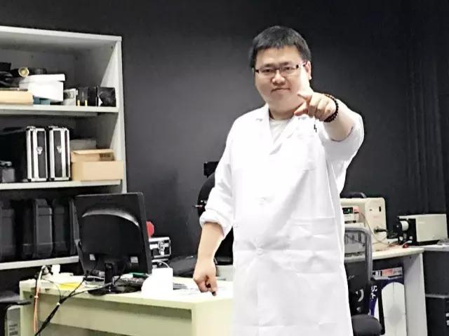 创业熬成两百斤 他做MR眼镜虚拟叠加现实 已订7万台