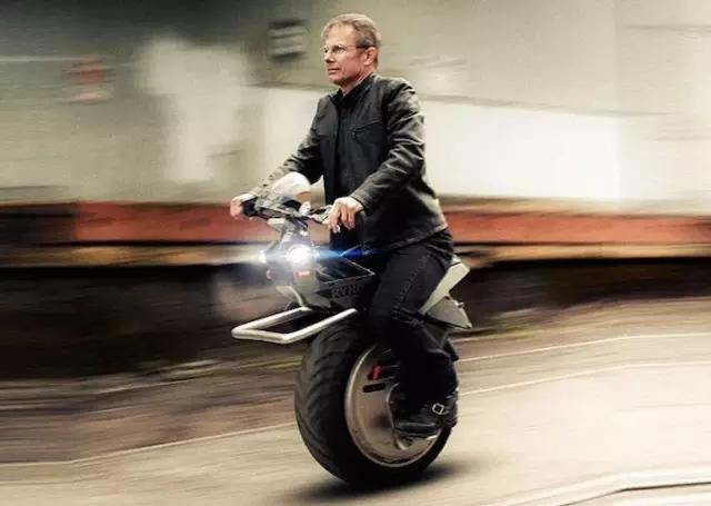 女儿的一句话让他败光家产,死磕7年,做出了世界上最酷的摩托车