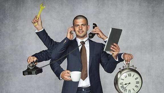 一个好的管理者:场上暴君,场下朋友;工作魔鬼,生活好人